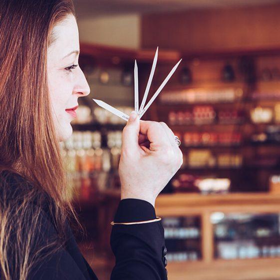 Parfumeur et ses mouillettes - Galimard parfumeur à Grasse