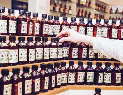 Conseils d'experts : comment bien conserver son parfum chez soi et sur soi ?